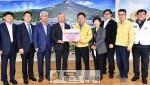 (사)한국농축산연합회(회장 임영호)는 17일 도청을 찾아 마스크 5천개(12.5백만원 상당…